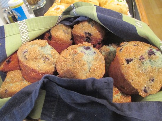 Old Granite Inn: Homemade muffins