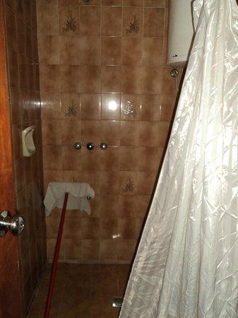 Hotel Arosa: Banheiro