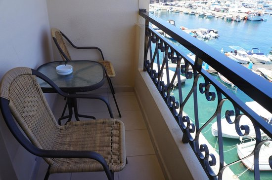 Porto Veneziano Hotel: The balcony