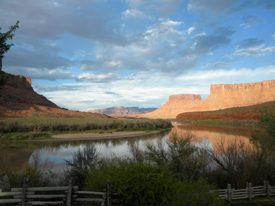 Red Cliffs Lodge : View from the dining deck