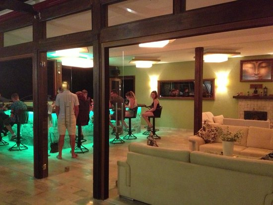 Nirvana Boutique Hotel : Bar/ lounge area