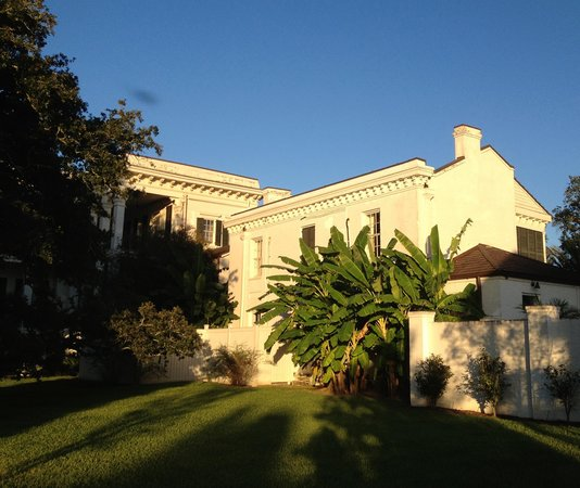 The Mansion Restaurant at Nottoway : Nottoway Plantation nearing sunset