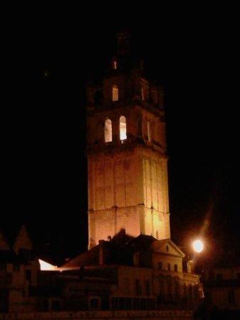 Pierre & Vacances Résidence Le Moulin des Cordeliers : Clock tower
