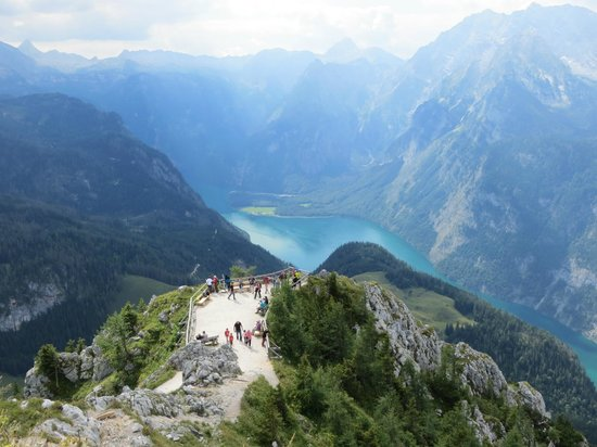 Nationalparkzentrum: View from top of Mount Jenner of Lake Konigssee