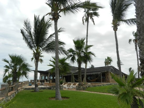 Rancho Leonero Resort : Pool, Dining and Bar area