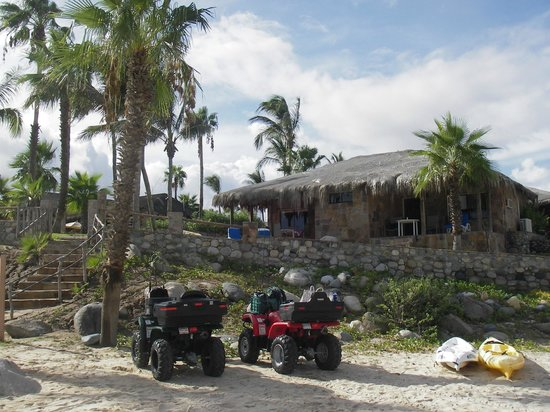 Rancho Leonero Resort : Rooms 13 and 14 - our Quads