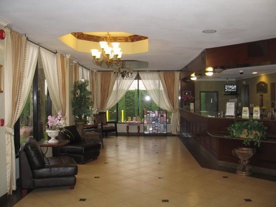 Howard Johnson Inn & Suites - Reseda: Reception