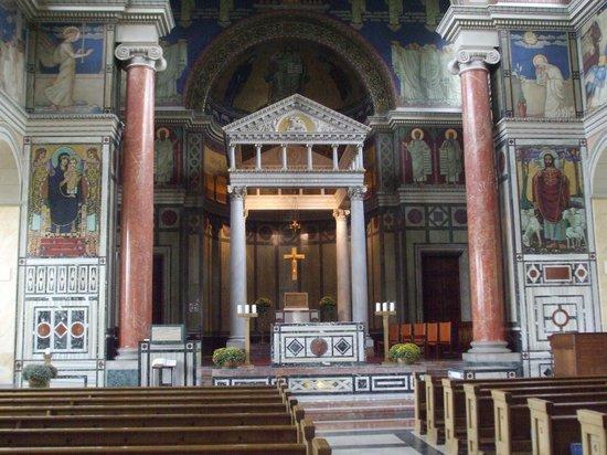 Liebfrauenkirche : Beautiful pulpit area