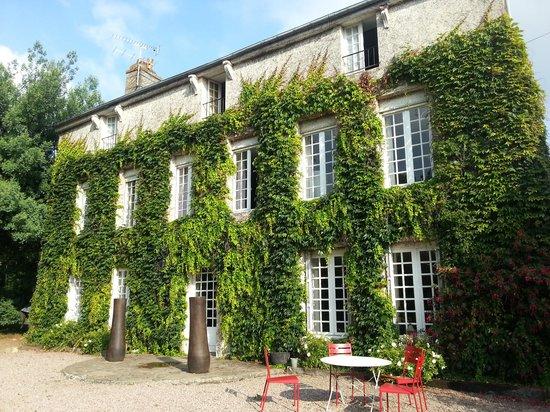 La Haute Flourie: exterior