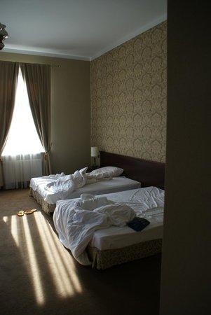 Royal Hotel: camera