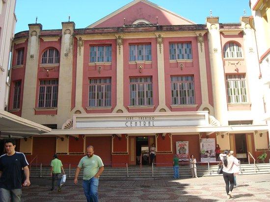 Calcadao da Rua Halfeld : Calçadão da R. Halfeld, Teatro Central