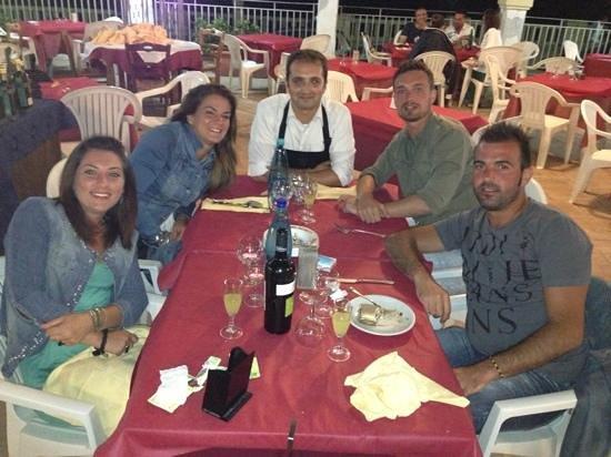 Athena Ristorante Pizzeria: clienti e staff