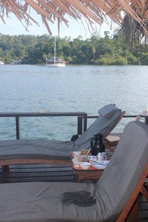 Eclypse de Mar: breakfast on our patio