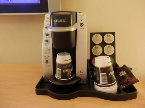 Travelodge Hotel Saskatoon: Coffee Maker in both rooms - nice