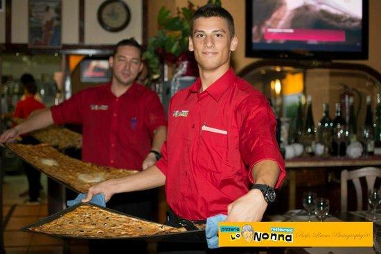 Pizzas de metro fotograf a de pizzeria la nonna salou tripadvisor - Pizzeria la nonna ...
