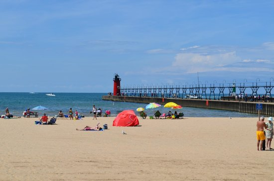 South Haven Lighthouses Lighthouse And Beach