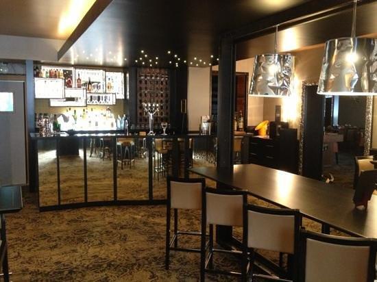 Le Carré (Hôtel du Mouton Blanc) : le bar