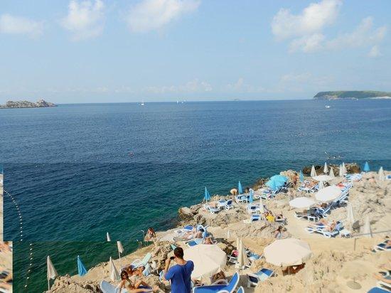 Importanne Resort Dubrovnik : La plage sur les rochers