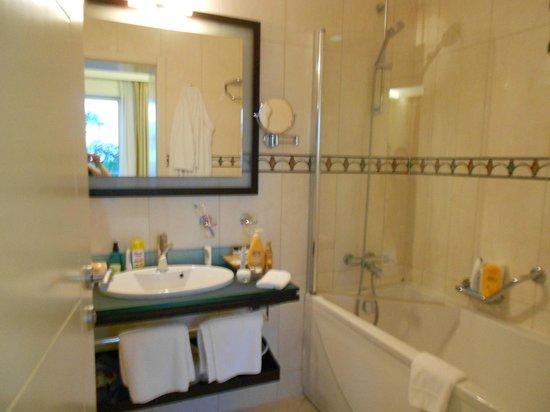 Importanne Resort Dubrovnik : Suite - la salle de bain de la chambre double