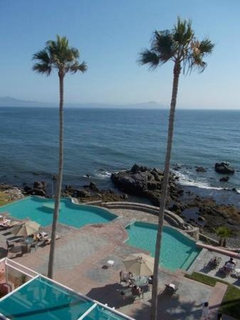 Las Rosas Hotel & Spa: all rooms have awesome views of the pool area and the ocean beyond