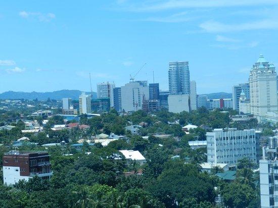 Golden Peak Hotel & Suites Cebu: 12th Floor View from our Room