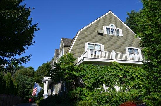 Elizabeth Rose House: HOUSE