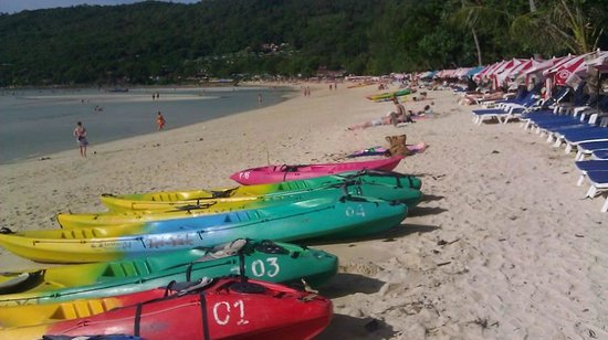 Phi Phi Andaman Beach Resort : Loh Dalum Bay -other side of island