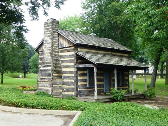 University of Pittsburgh: Cabin representing beginnings of Pitt