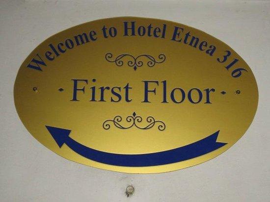 Hotel Etnea 316: Entrada