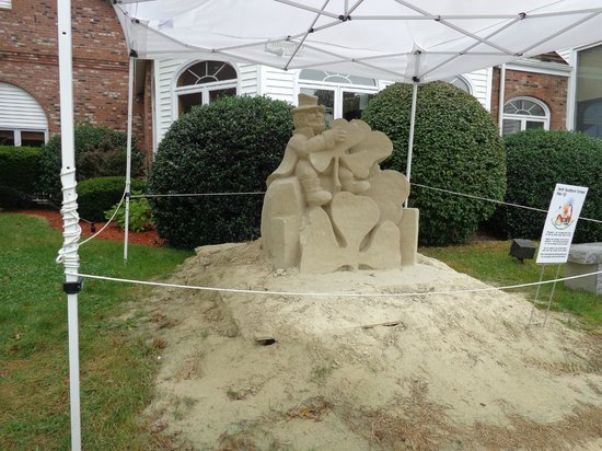 Cape Cod Irish Village : Sand sculpture