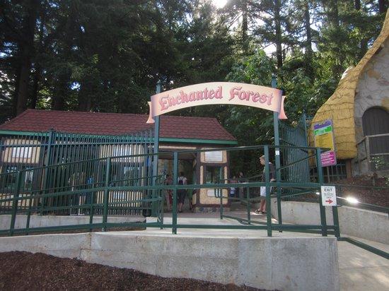 Enchanted Forest Theme Park : Entrance