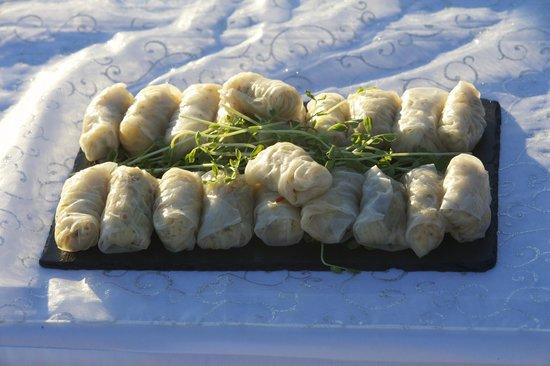 The Kool Spot Cafe: Green Papaya rice paper rolls