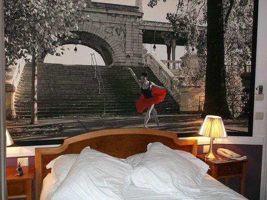 Atelier Saint-Germain: Belle photo de ballerine au-dessus du lit