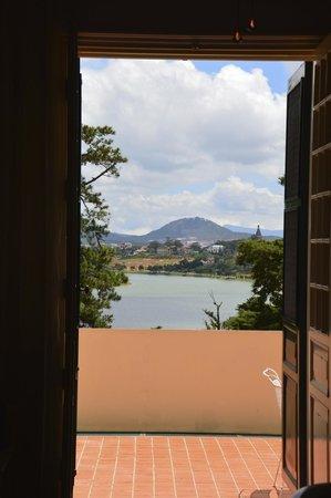 Dalat Palace Heritage Hotel: Increible vista del lago desde la habitación