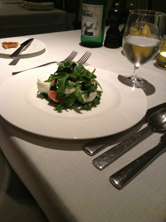 Theo Randall at the InterContinental : Mozzarella di Bufala with black figs salad