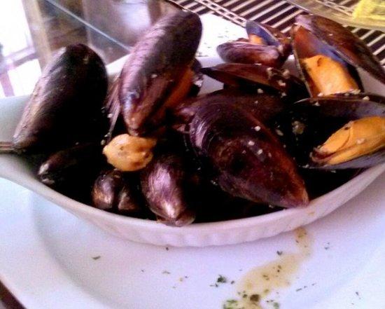El Gaucho Inca: Mussels in wine sauce