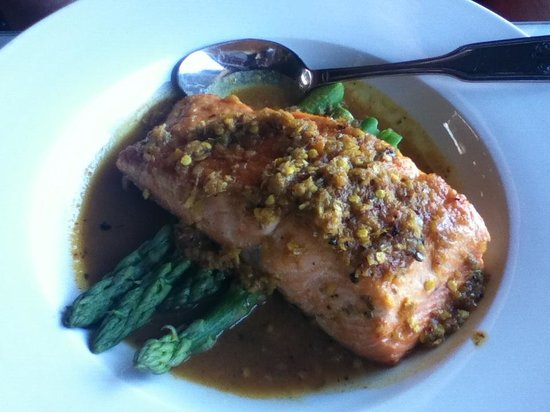 Jasmine Bistro: Seasonal fish in curry