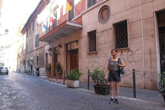 Tirreno Hotel : Hotel Tirreno exterior