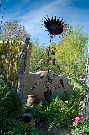 Tohono Chul : Metal Sunflower sculpture