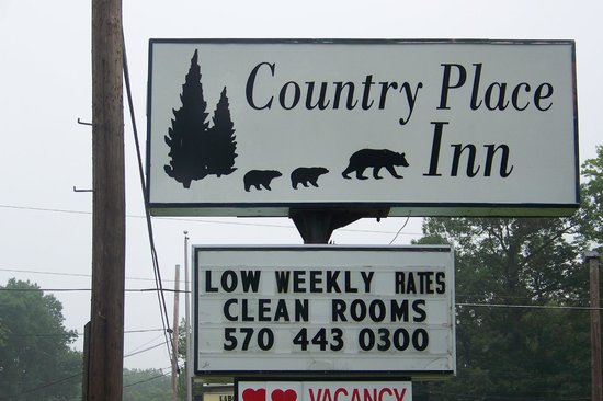 Country Place Inn & Suites: Signage