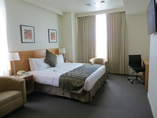 Radisson on Flagstaff Gardens: Our room