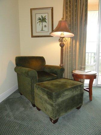 Trianon Old Naples: Corner Room 316 - Sitting Area