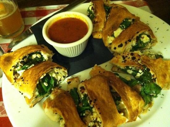 Giuseppe's Ristorante: spinach roll