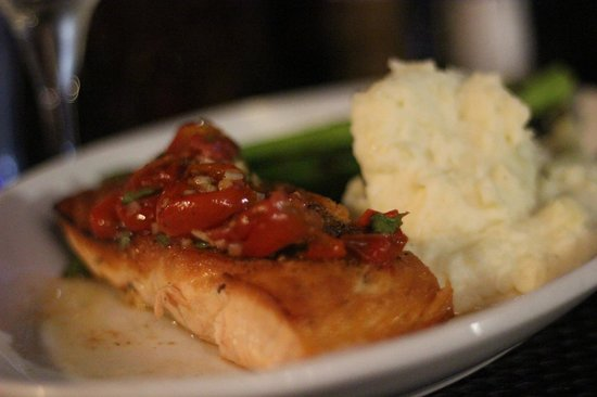 Rusty Scuffer: pan seared salmon-assuming its the best from the menu
