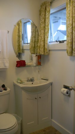 Dyer's Beach House: Bathroom....