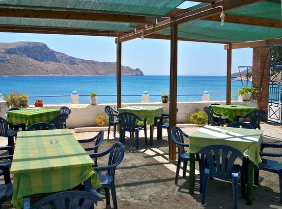 Taverna Hiliovasilema: ηρεμια κοντα στα κυματα με ωραιο φαγητο