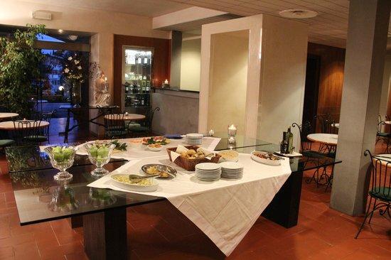 Hotel Villa Gabriele D'Annunzio: Serviço