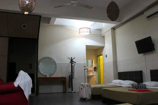Golden Leaf Hotel : Double Beds