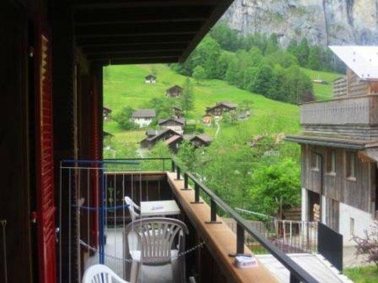Valley Hostel: Room balcony
