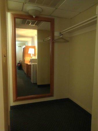 Bolero Resort: Large Hall Mirror
